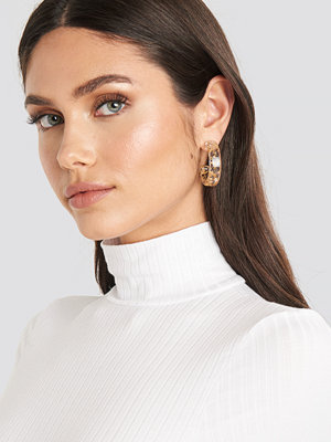 NA-KD Accessories smycke Gold Flakes Transparent Earrings guld