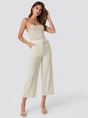 NA-KD ljusgrå byxor Belted Wide Pants beige