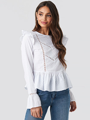 Tunikor - NA-KD Boho Swiss Dot Long Sleeve Ruffle Top vit