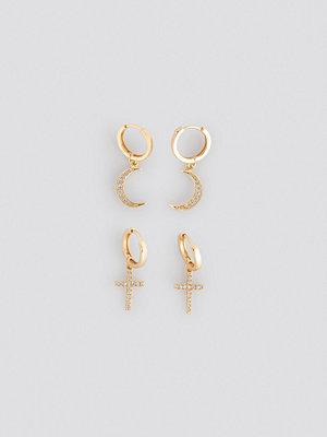 NA-KD Accessories smycke Moon Cross Earrings guld