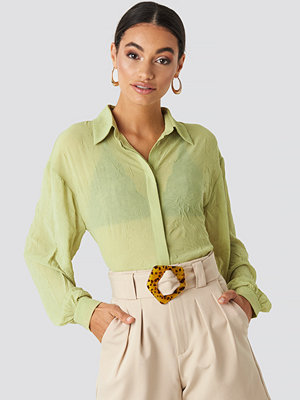 NA-KD Classic Sheer Wrinkle Effect Blouse grön