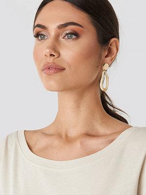 NA-KD Accessories smycke Top Bead Resin Earrings beige