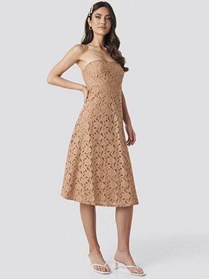 Trendyol No Shoulder Lace Midi Dress beige