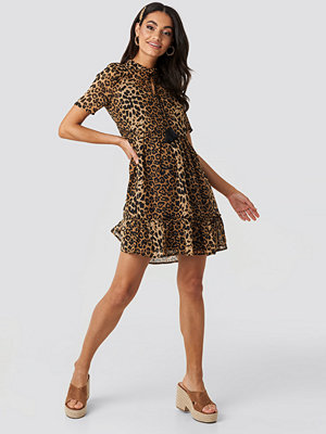 NA-KD Boho Short Sleeve Flowy Mini Dress brun