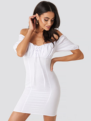NA-KD Boho Tie Front Off Shoulder Mini Dress vit