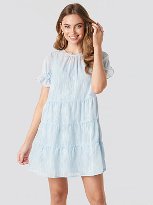 NA-KD Boho Round Neck Dobby Mini Dress blå