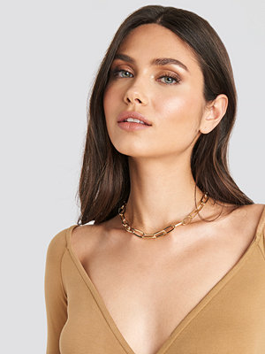 NA-KD Accessories smycke Short Slim Chain Necklace guld
