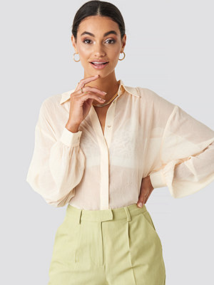 NA-KD Classic Sheer Wrinkle Effect Blouse rosa