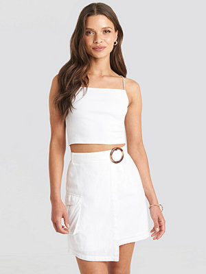 Julia Wieniawa x NA-KD Overlapped Asymmetric Skirt vit
