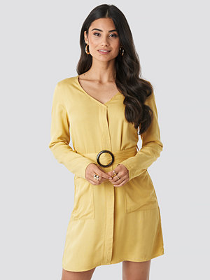 NA-KD Belted Long Sleeve Dress gul