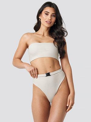 Hannalicious x NA-KD High Waisted Buckle Bikini Pantie beige