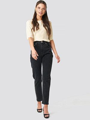 NA-KD Trend Mom Jeans svart