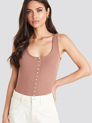 NA-KD Button Ribbed Tank Top rosa
