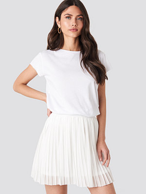 NA-KD Mini Pleated Skirt vit