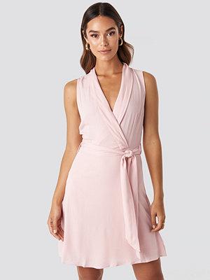 Trendyol Sleveless Wrap Mini Dress rosa