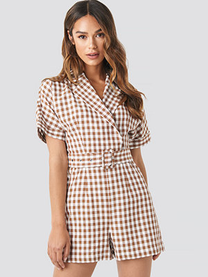 NA-KD Trend Checked Playsuit brun