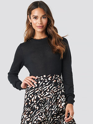 NA-KD Trend Sheer Round Neck Knitted Top svart