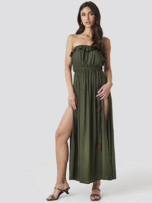 Trendyol Strapless Frilly Viscose Beach Dress grön