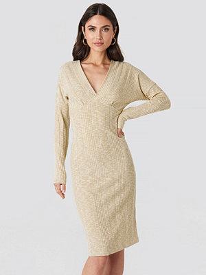 NA-KD Trend Ribbed V-front Over The Knee Dress beige