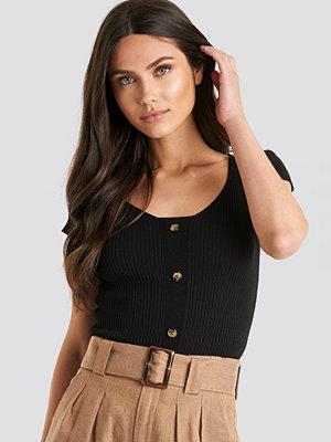 NA-KD Ribbed Knitted Short Sleeve Top svart