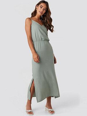 Trendyol End Strap Long Dress grön