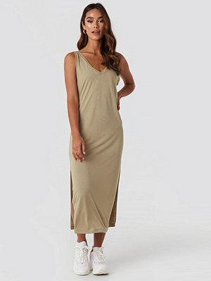 NA-KD Sleeveless Jersey Midi Dress beige