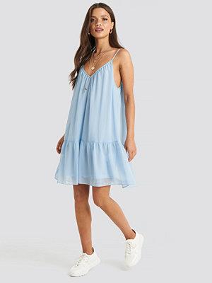 NA-KD Trend Thin Strap Short Dress blå