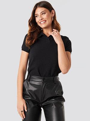 T-shirts - NA-KD Polo Neck T-shirt svart