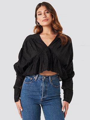 NA-KD Trend Big Sleeve Dobby Blouse svart