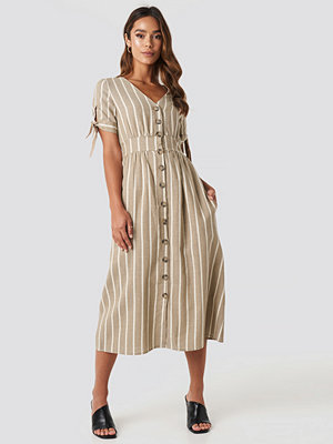 Trendyol Short Sleeve Button Detailed Midi Dress beige