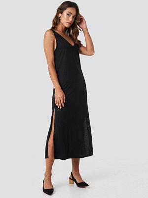 NA-KD Sleeveless Jersey Midi Dress svart