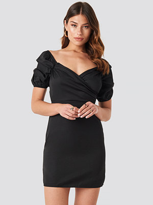 NA-KD Party Off Shoulder Puff Sleeve Mini Dress svart