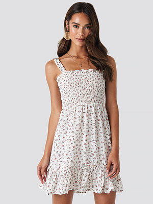 NA-KD Boho Smock Part Flower Print Dress vit