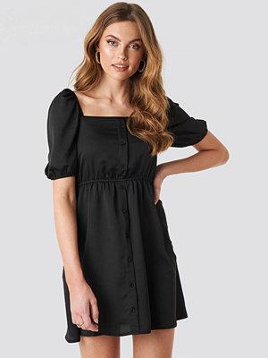 NA-KD Boho Square Neck Buttoned Mini Dress svart