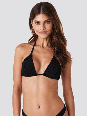 Gerda x NA-KD Triangle Smocked Bikini Top svart