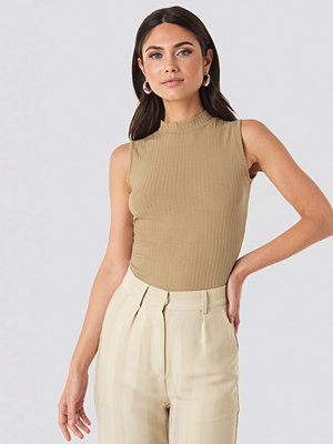 NA-KD Basic Turtle Neck Sleeveless Top beige