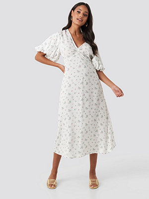 NA-KD Boho Puff Sleeve Floral Midi Dress vit