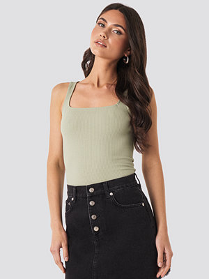 NA-KD Trend Square Neck Sleeveless Top grön