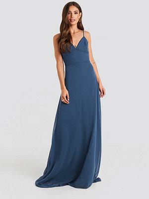 Trendyol Aftonklänning blå