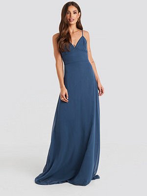Trendyol Low-Cut Evening Dress blå