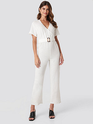 Hannalicious x NA-KD Overlapped Belted Linen Look Jumpsuit vit