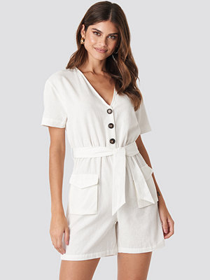 Hannalicious x NA-KD Belted Linen Look Playsuit vit