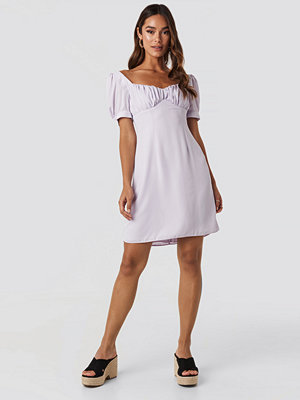 NA-KD Boho Bust Puff Sleeve Mini Dress lila
