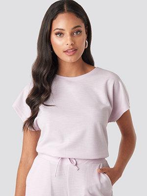 T-shirts - NA-KD Basic Slip Top lila