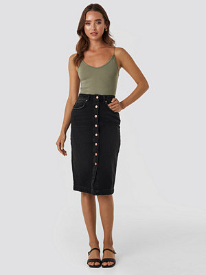 NA-KD Button Up Denim Midi Skirt svart