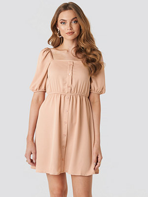 NA-KD Boho Square Neck Buttoned Mini Dress rosa