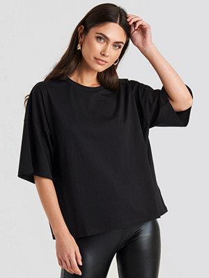 NA-KD Basic Oversized Boxy T-shirt svart