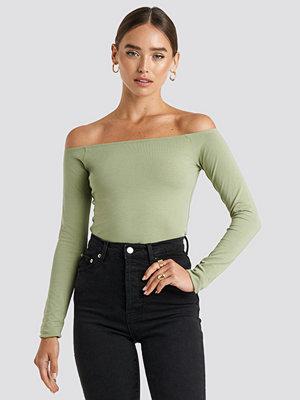 NA-KD Basic Long Sleeve Off Shoulder Top grön