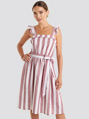 Trendyol Bora Striped Midi Dress rosa multicolor