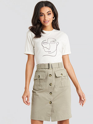NA-KD Trend Belted Cargo Pockets Mini Skirt beige